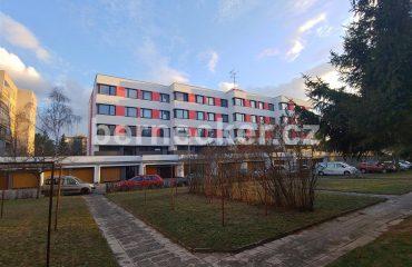 Cihlový byt 2+1, Hradec Králové, prodej