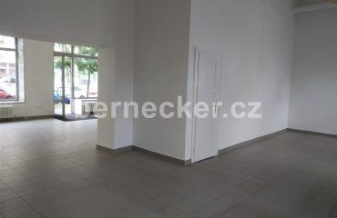 Nebytový prostor – prodejna na frekventovaném místě, Hradec Králové PRONAJATO